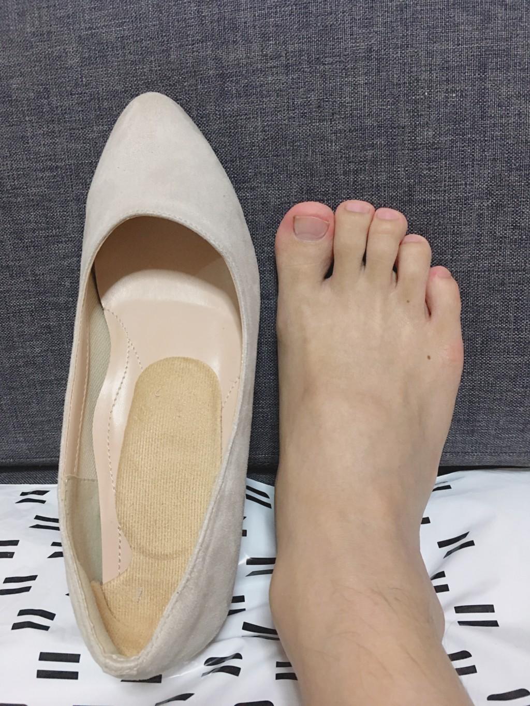 靴と足を比較