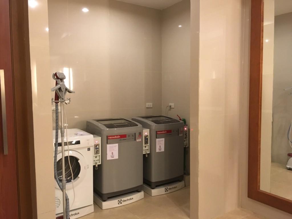ホテルの洗濯機・乾燥器